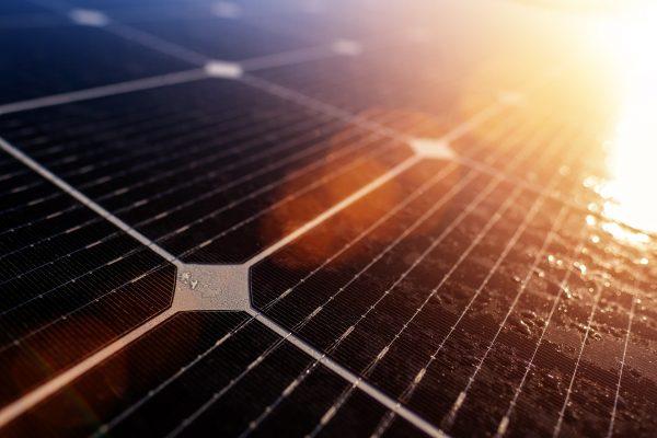 zonnepanelen met stekker